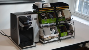 A typical Keuring set up: brewer and K-Cups, ready to go